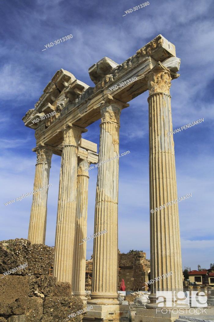 Imagen: Temple of Apollo, Side, Antalya, Turkey.