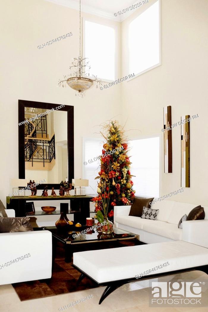Imagen: Christmas tree in a living room.