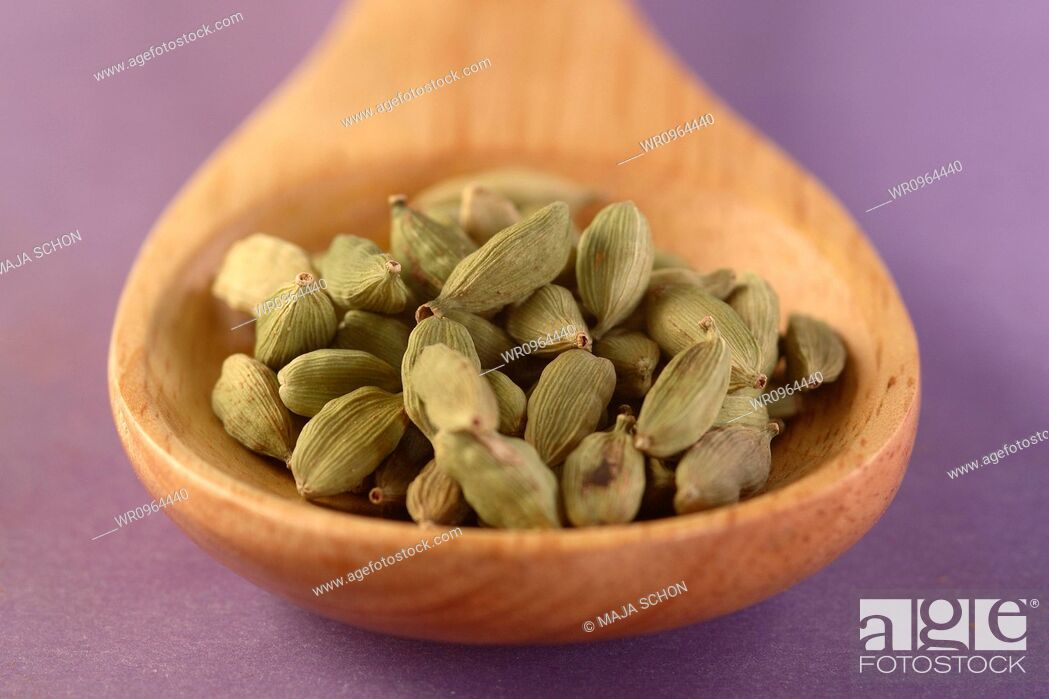 Stock Photo: Close-Up, Ingredient, Wellness, Recovery, Harmonious, Cardamom, Recover, Relaxation, Still Life, Object, Room, Wooden, Food, Natural, Fragrance, Perfume, Raw, Product, Smell, Cook, Therapy, Spoon, More, Spicy, Consistency, Lifes, Spice, Esoteric, Flavour, Smelling