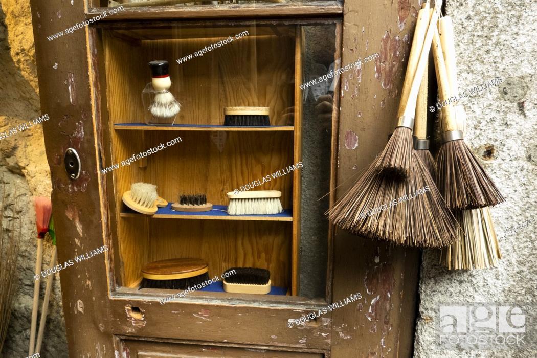 Stock Photo: A brush shop in Porto, Portugal.