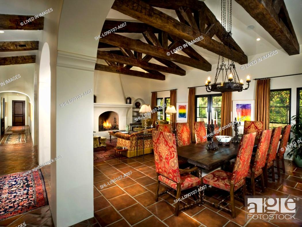 Large Andalucian Great Room With