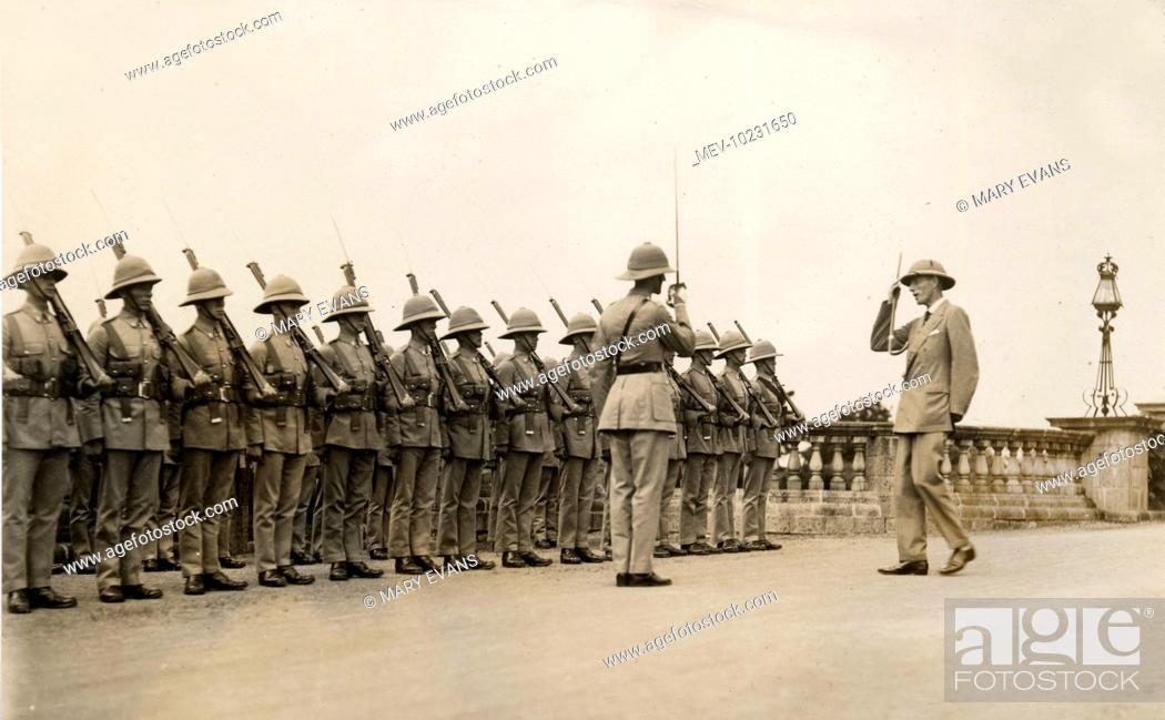 Lord Irwin, Viceroy of India, inspecting troops in Mhow, Stock Photo