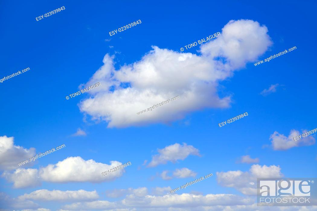 Imagen: Blue sky with clouds in a summer sunny day.