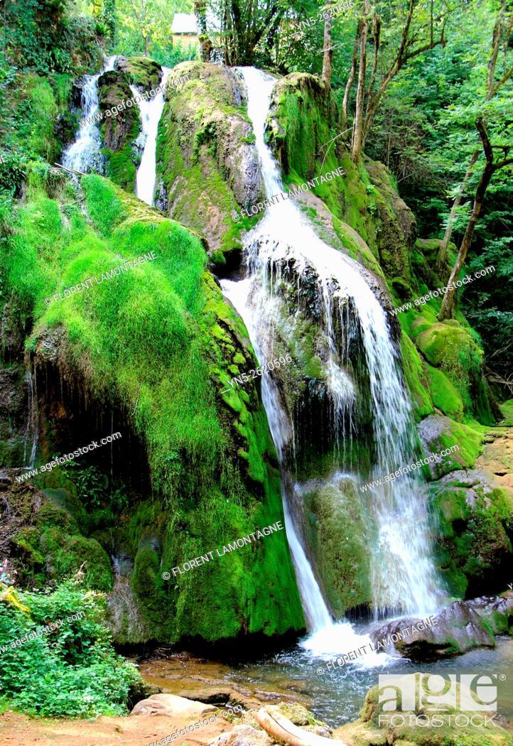 Stock Photo: Aveyron, Midi-Pyrénées, waterfall at Muret le Chateau.