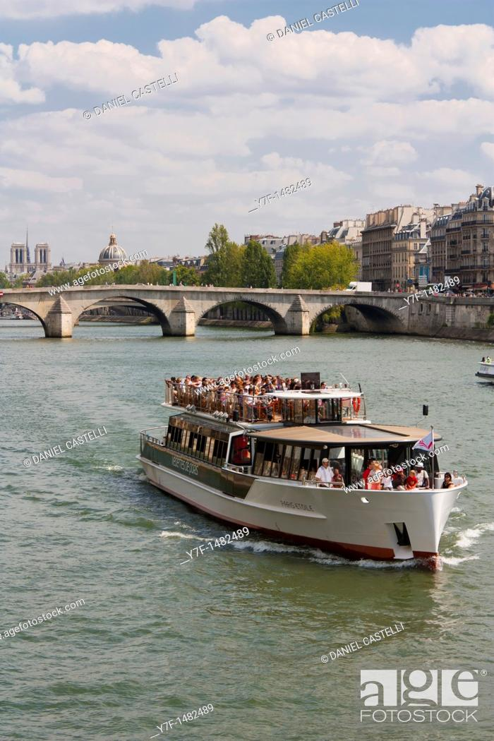 Stock Photo: Boat, Seine, Paris, France.