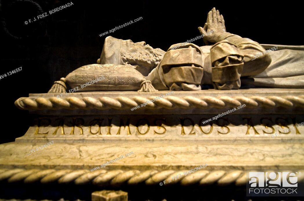 Stock Photo: Vasco da Gama grave in Jeronimos Monastery Church, Belem, Lisbon, Portugal.