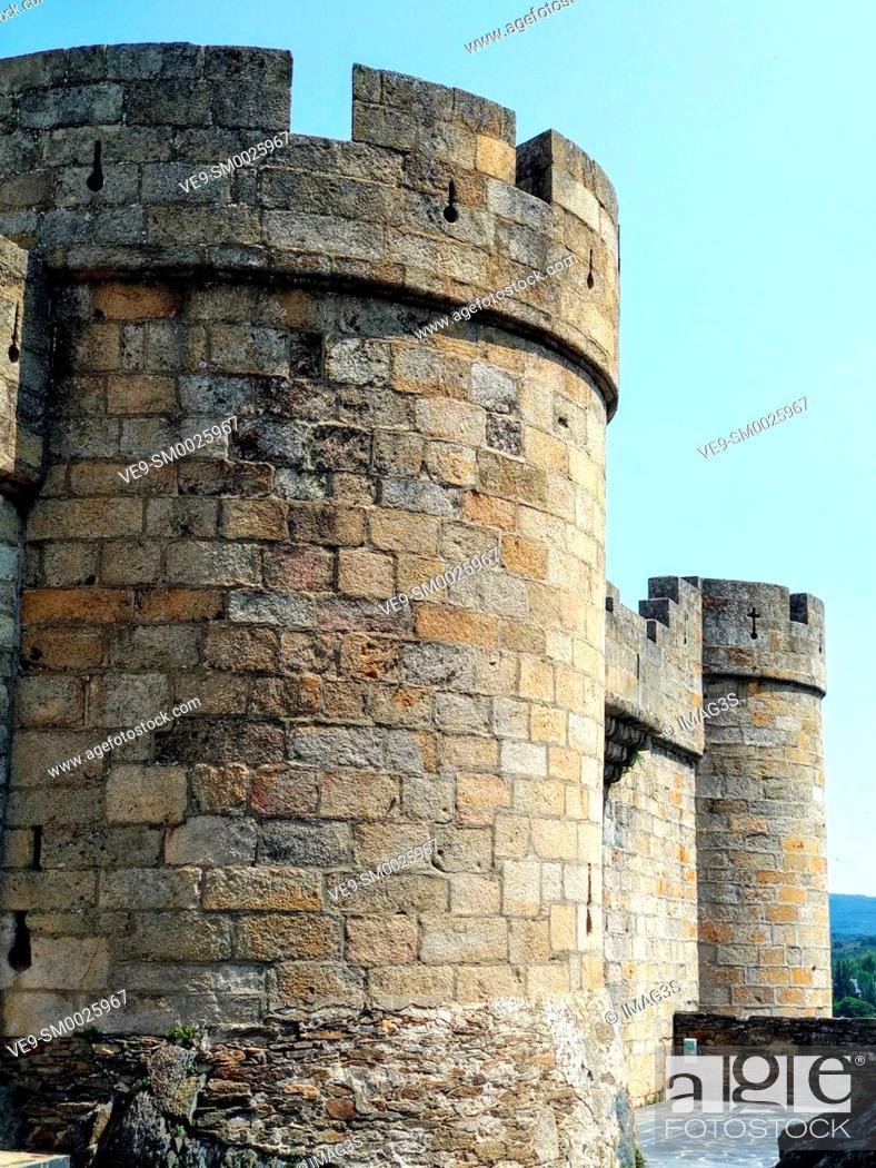 Imagen: Old castle of Puebla de Sanabria, Castilla y Leon, Spain.