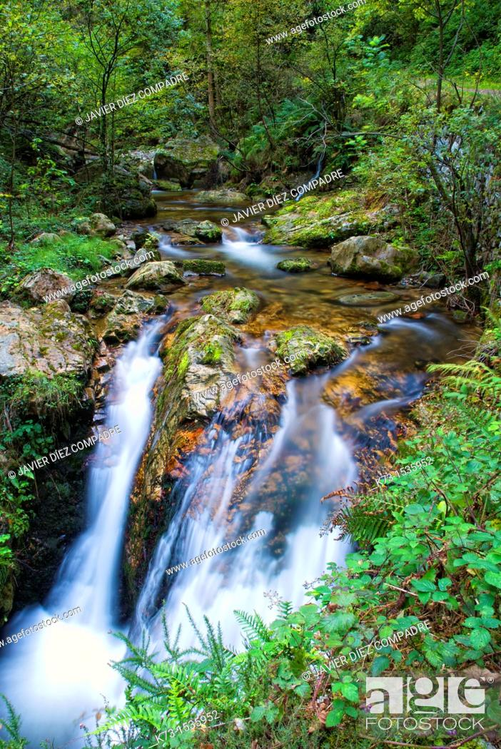 Stock Photo: Alba River. Redes Natural Park and Biosphere Reserve. Soto de Agues. Concejo de Sobrescobio. Asturias. Spain.