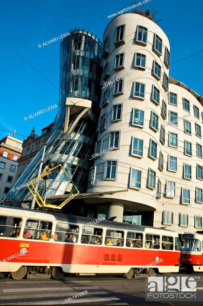 Stock Photo: Dancing House by architects Gehry and Milunic, Prague, Prague, Czech Republic.