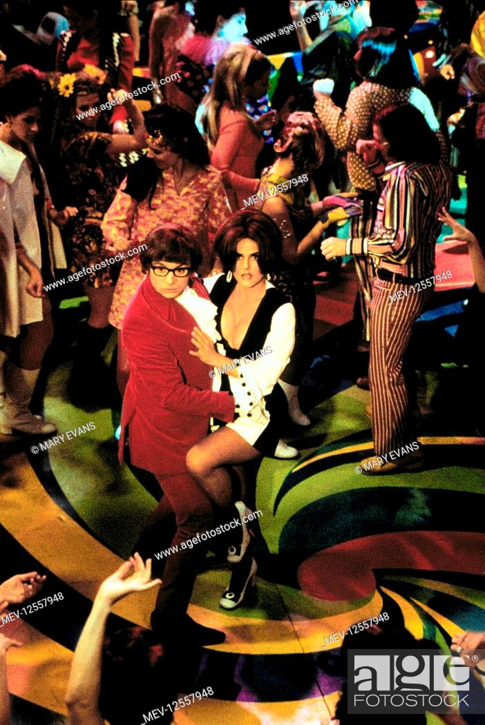 Mike Myers Gia Carides Characters Austin Powers Robin Spitz Swallows Film Austin Powers The Stock Photo Picture And Rights Managed Image Pic Mev 12557948 Agefotostock