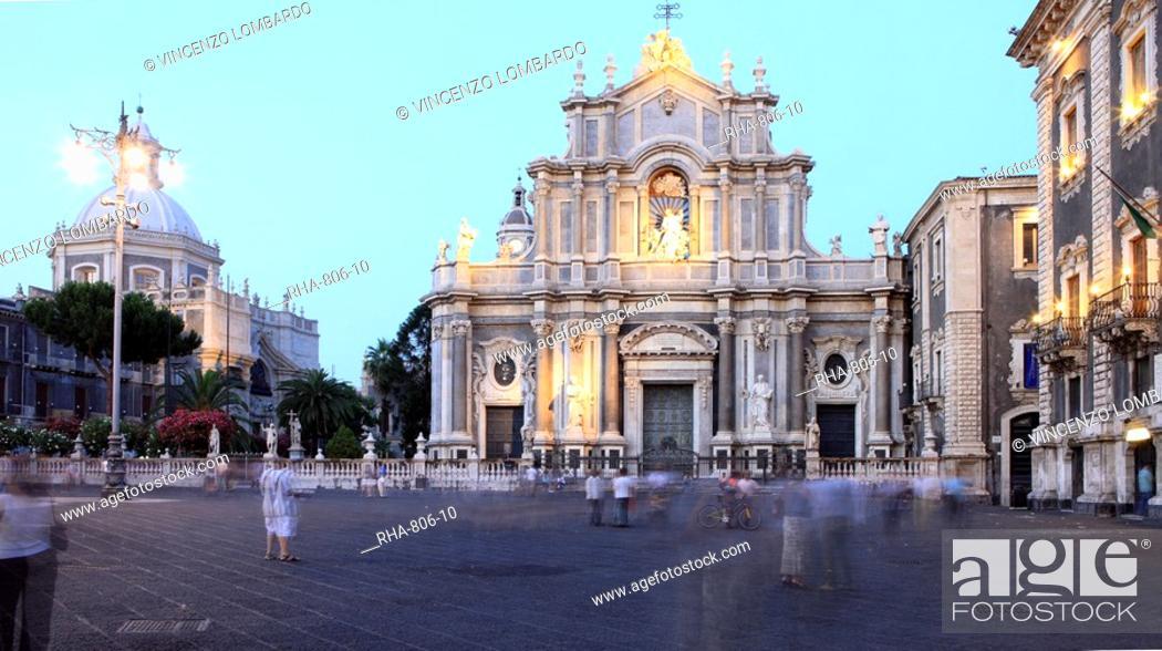 Stock Photo: Piazza Duomo at dusk, Catania, Sicily, Italy, Europe.