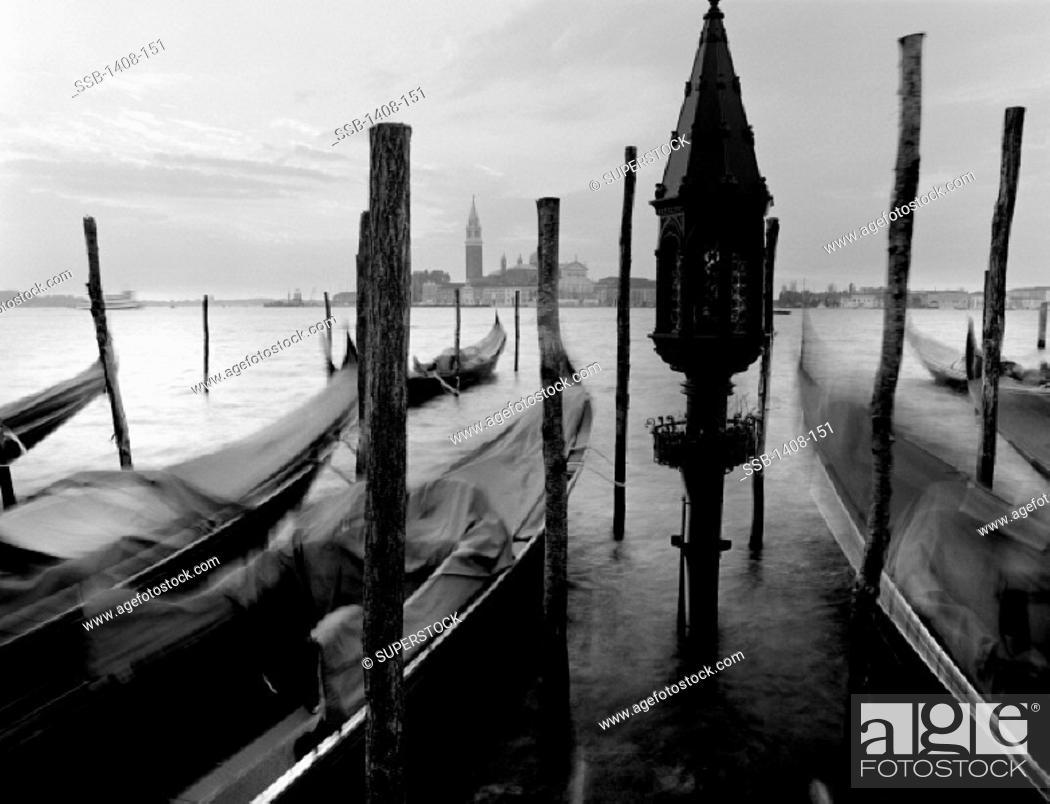 Imagen: Gondolas Venice Italy.