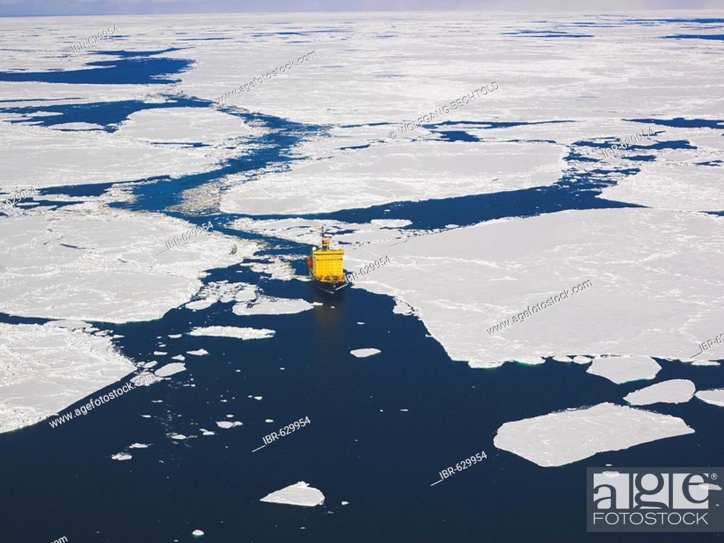 Imagen: Captain Khlebevnikov icebreaker in Ross Sea pack ice, view from a helicopter, Antarctic.
