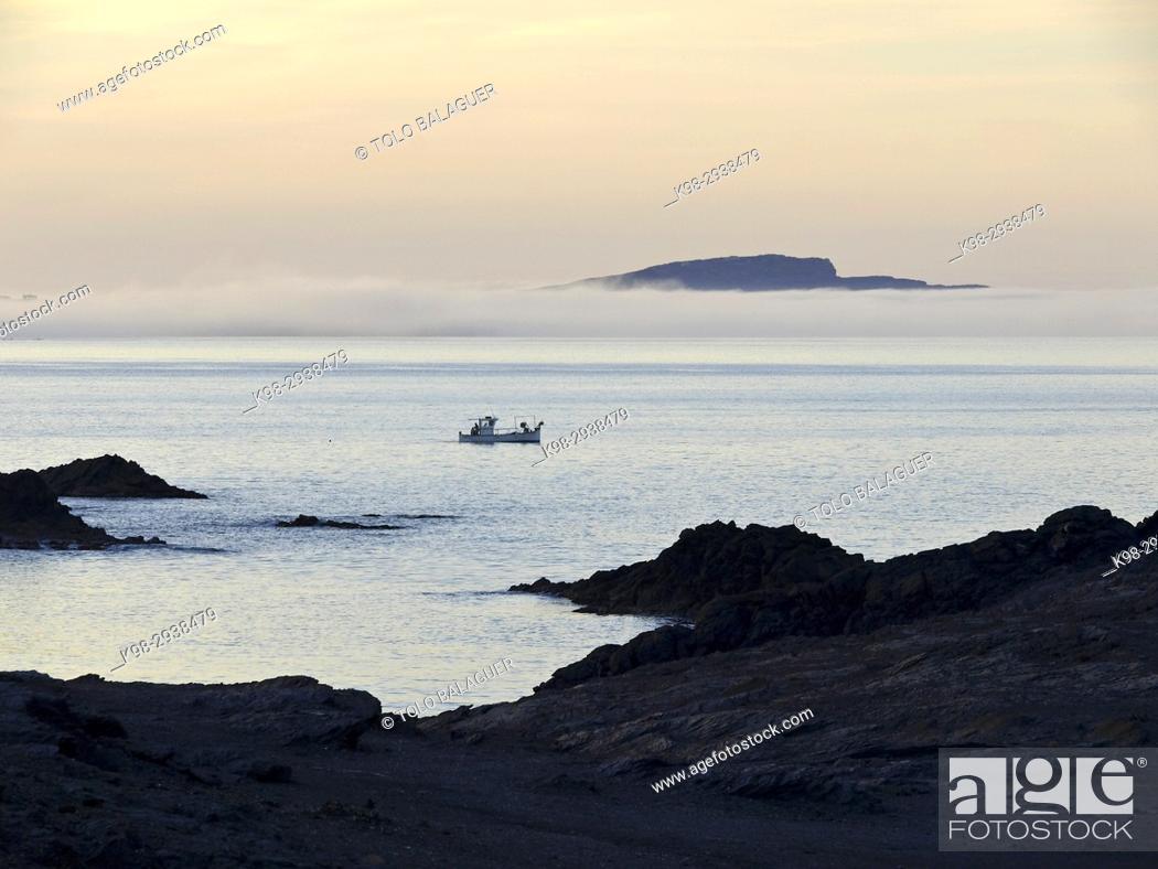 Imagen: Mola de Fornells desde Cap de Favaritx. Tramuntana. Minorca, Balearic Islands, Spain.