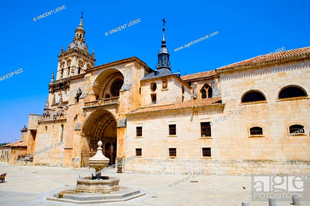 Stock Photo: Spain - Castile and Leon - Province of Soria - El Burgo de Osma - Cathedral.