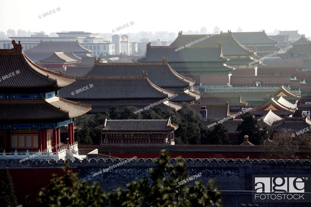 Stock Photo: View of Forbidden City from the hill top of Jingshan Park (Prospect Hill Park), Beijing, China.