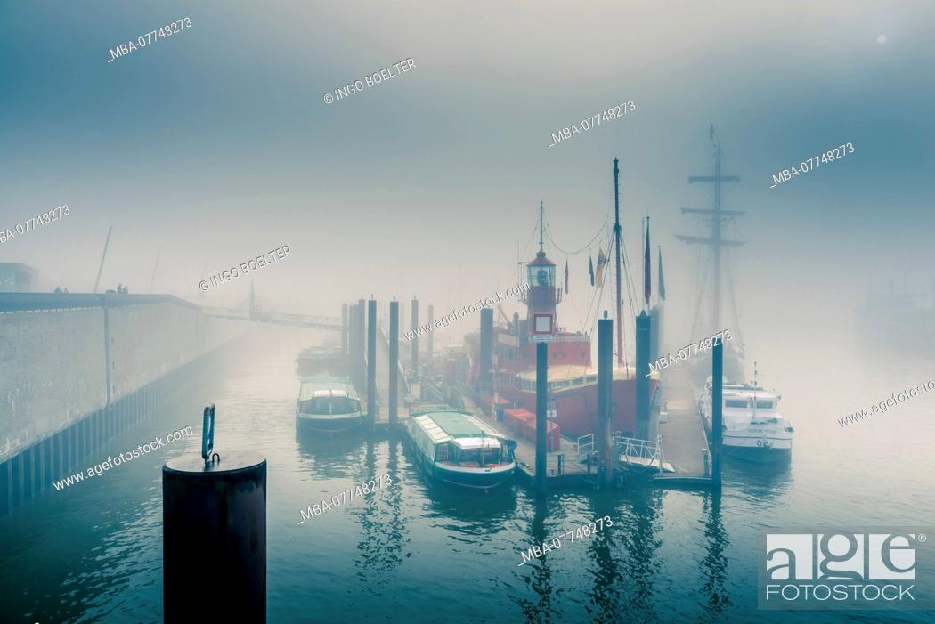 Stock Photo: Germany, Hamburg, the Elbe, harbour, St. Pauli, landing stages, oversea bridge, yacht harbour, lightship.
