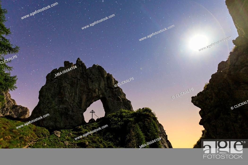 buy online 7e404 f141b The natural Arch of Porta di Prada, on Grigna Settentrionale ...