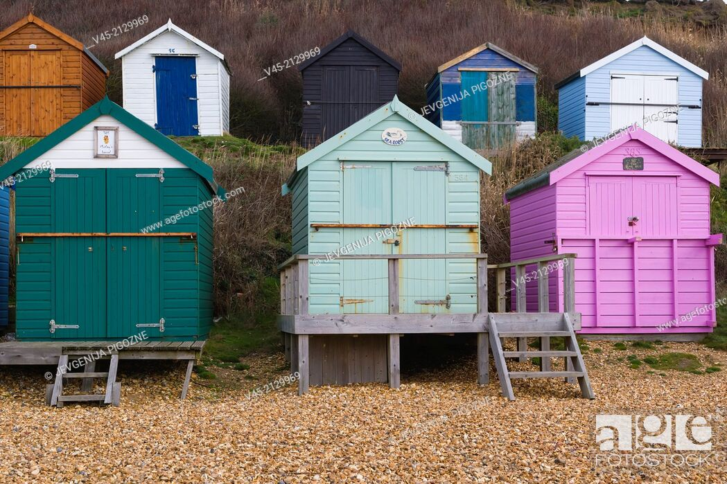 Stock Photo: Sea coast with beach huts, Milford on Sea, Hampshire, South England, UK.