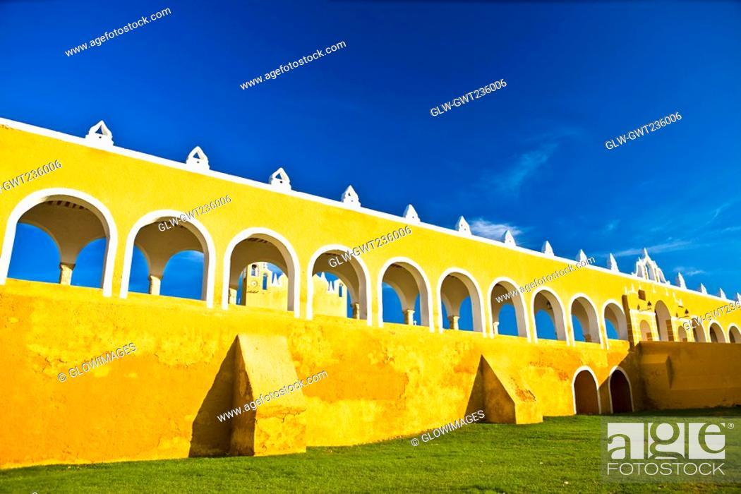 Stock Photo: Courtyard of a church, Convento De San Antonio De Padua, Izamal, Yucatan, Mexico.