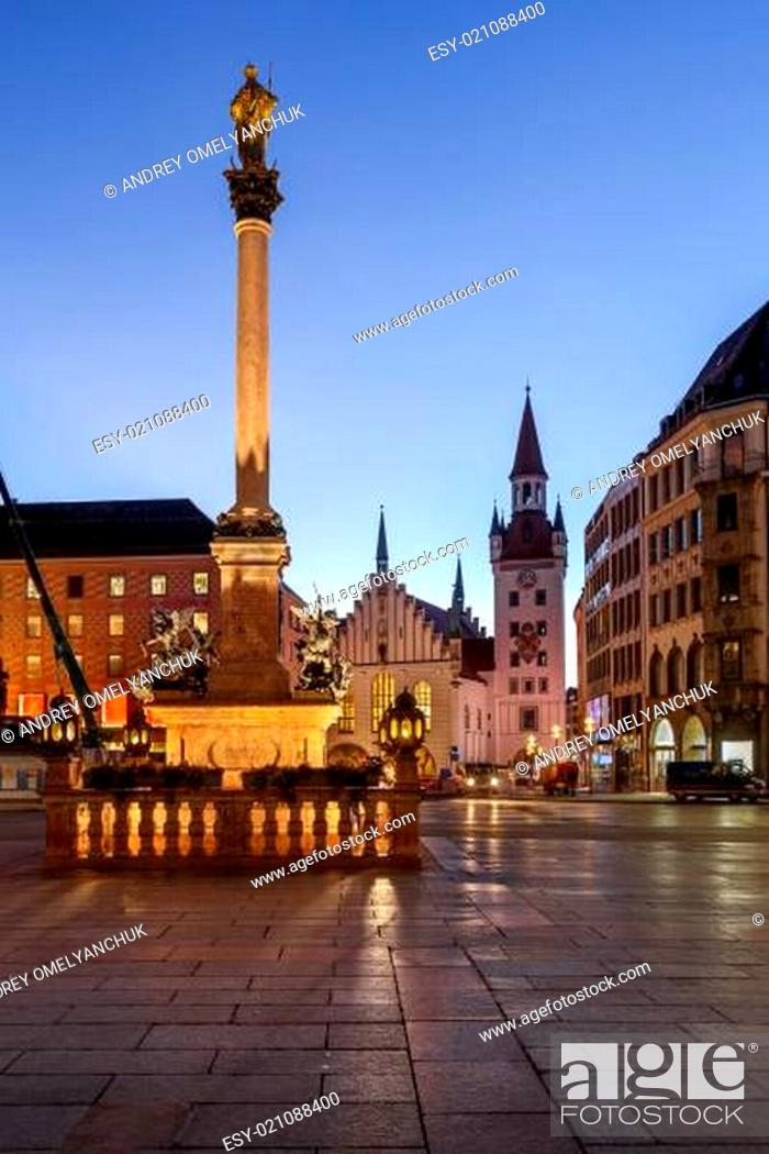 Stock Photo: Old Town Hall and Marienplatz in the Morning, Munich, Bavaria, Germany.