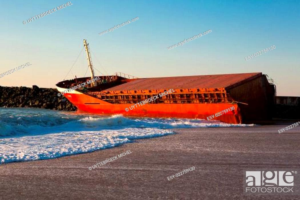 Stock Photo: Luno shipwreck on the beach of Anglet.