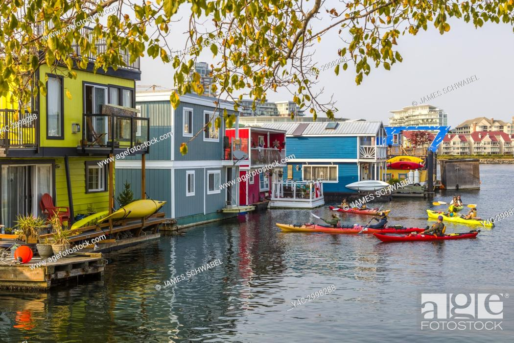 Imagen: Fisherman's Wharf a colourful float home community in Victoria on Vancouver Island in British Columbia, Canada.