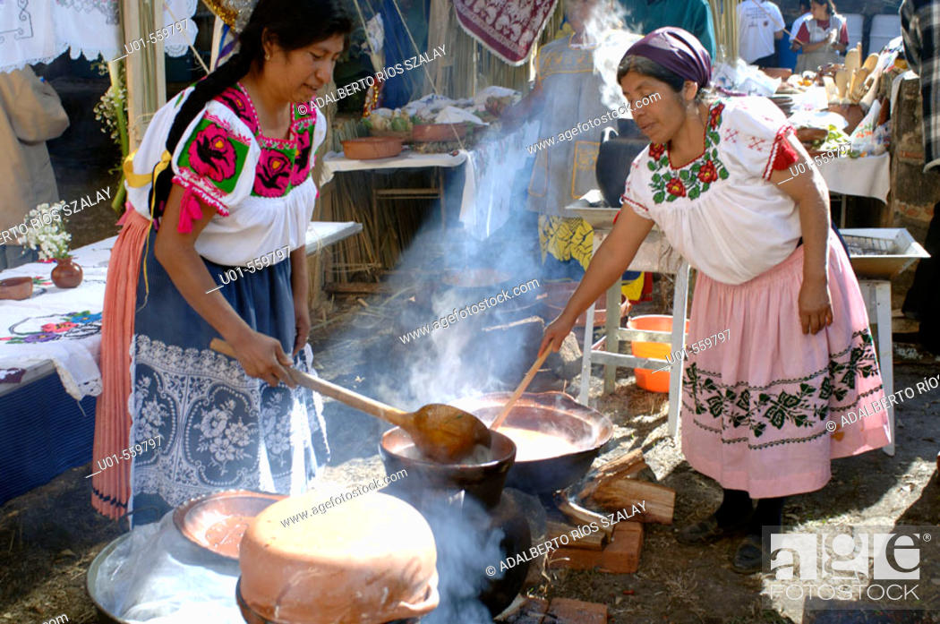 Stock Photo: Purepecha Women Cooking Patzcuaro Mexico.