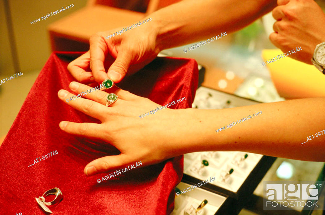 Stock Photo: Jewellery shop specialized in jade products. Hong Kong. China.