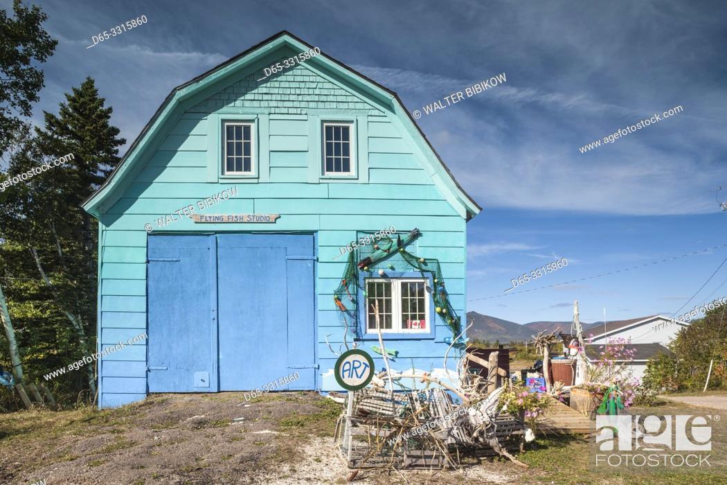 Imagen: Canada, Nova Scotia, Cabot Trail, Dingwall, Flying Fish art Studio, art shop.
