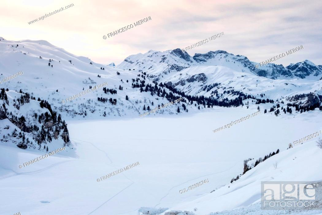 Stock Photo: Snow covered mountain valley, Engelberg, Mount Titlis, Switzerland.