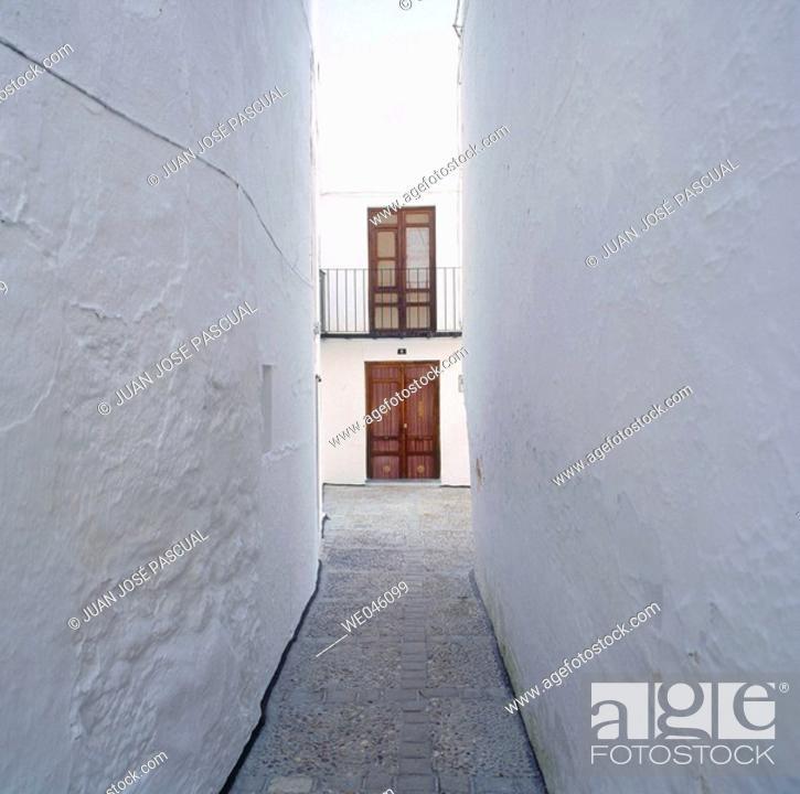Stock Photo: Narrow street, Quesada. Jaén province, Andalusia, Spain.