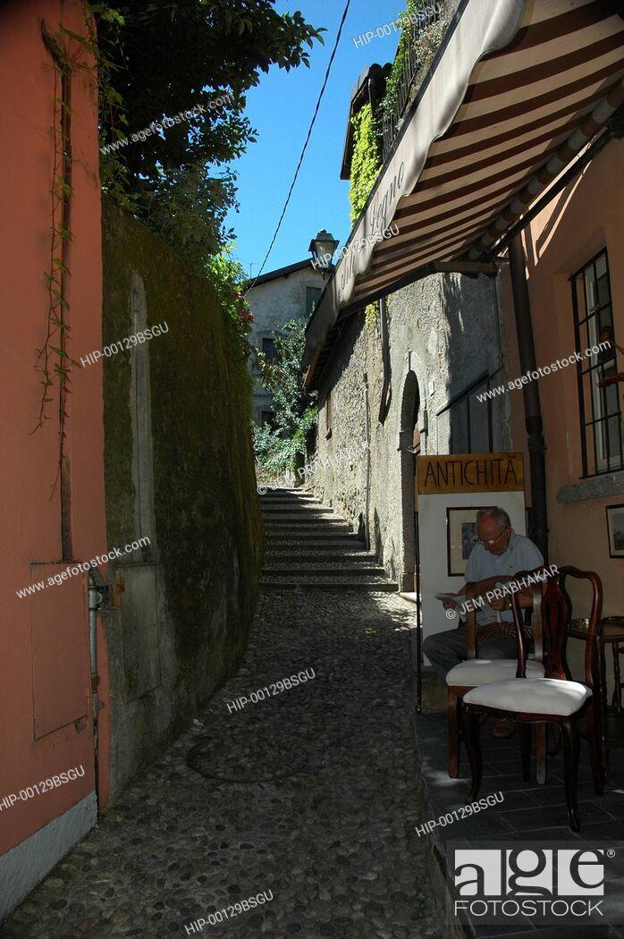 Imagen: A STREET IN BELLAGIO, ITALY.