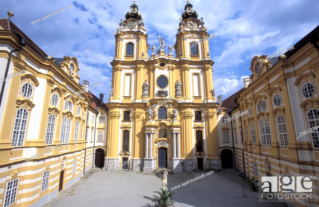 Imagen: Melk Abbey Stift Melk is a Benedictine Baroque abbey in Austria, and among the world's most famous monastic sites. It is located above the town of Melk on a.