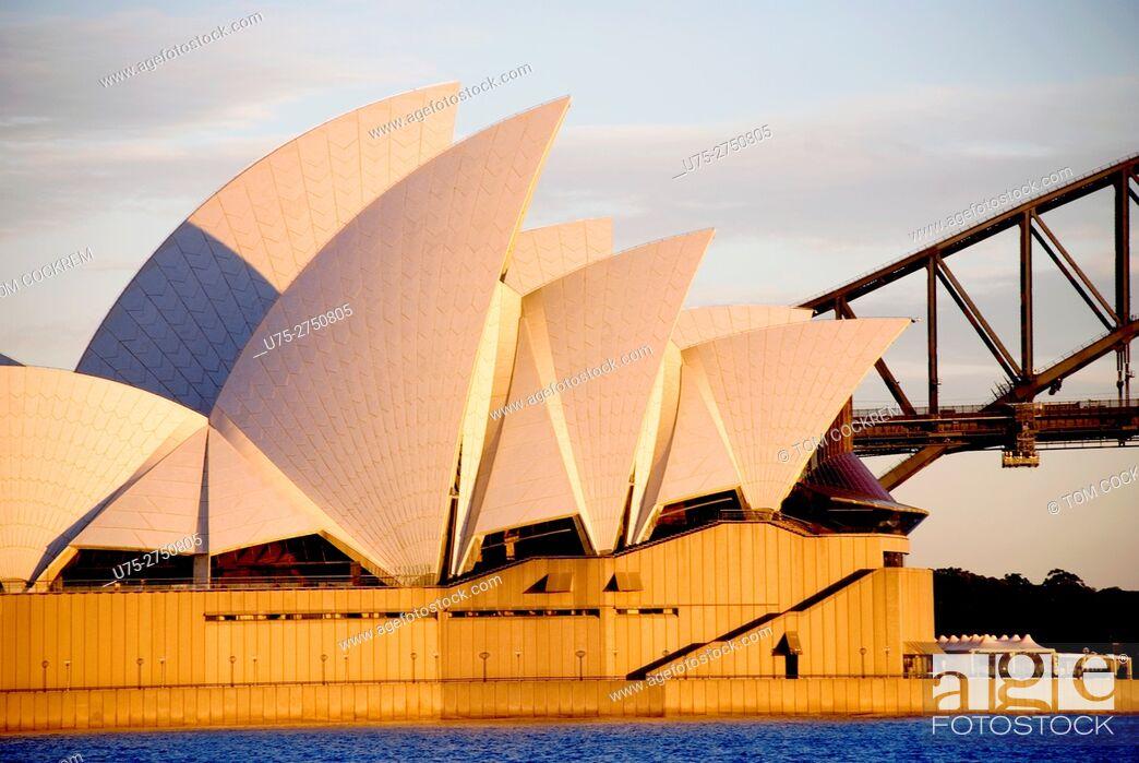 Stock Photo: Opera House & Harbour Bridge from Mrs. Macquarie's Point, Sydney, Australia.