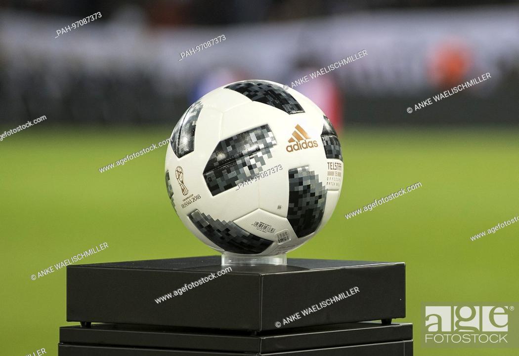 Feature Der Spielball Telstar 18 Von Adidas Ball