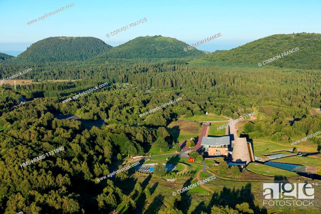 Stock Photo: France, Puy de Dome, Parc Naturel Regional des Volcans d'Auvergne (Natural regional park of Volcan d'Auvergne), Chaine des Puys, Saint Ours les Roches, Vulcania.
