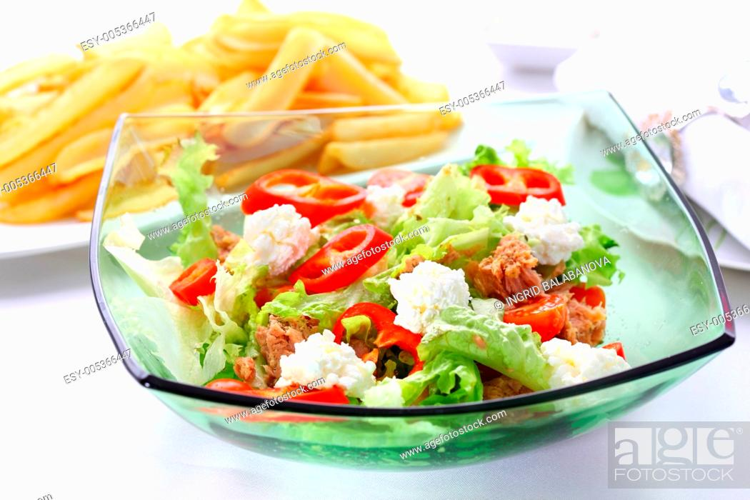 Stock Photo: Mixed vegetable salad with tuna and cottage cheese.