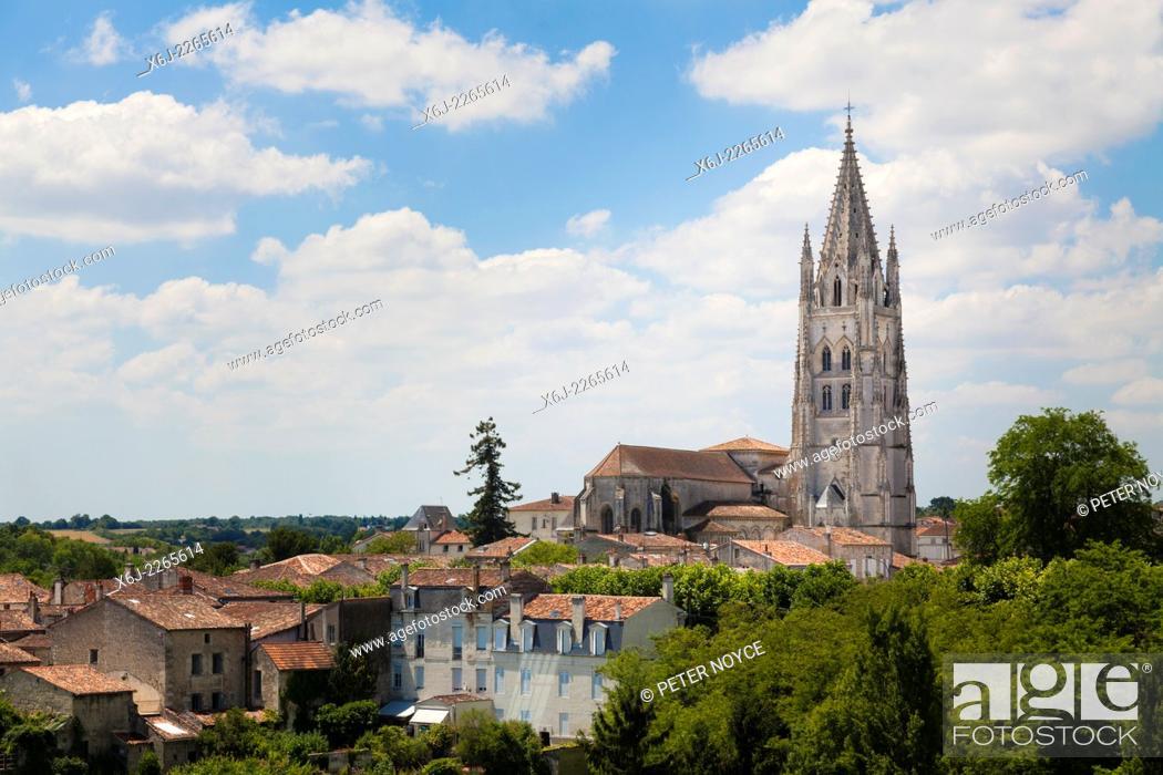 Stock Photo: Basilica of Saint Eutropius over the rooftops os Saintes.