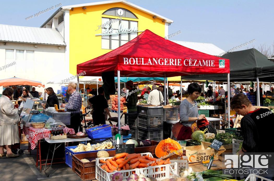 Mulhouse Frankreich der markt le marche in der innenstadt mulhouse im elsass in
