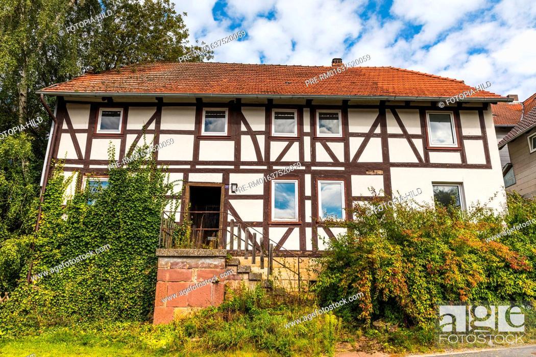 Stock Photo: Overgrown half-timbered house at Barterode, Flecken Adelebsen, Naturraum Sollingvorland, Landkreis Göttingen, Niedersachsen, Germany.