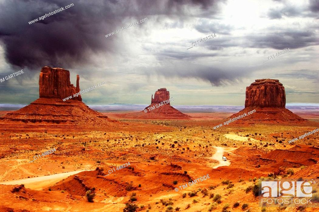 Stock Photo: butte rock formation monument valley arizona usa.