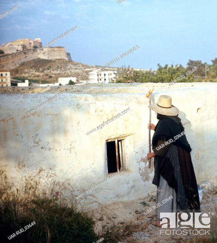 Stock Photo: Alltag in Ibiza-Stadt, Ibiza 1976. Everyday life in the city of Ibiza; Ibiza 1976.