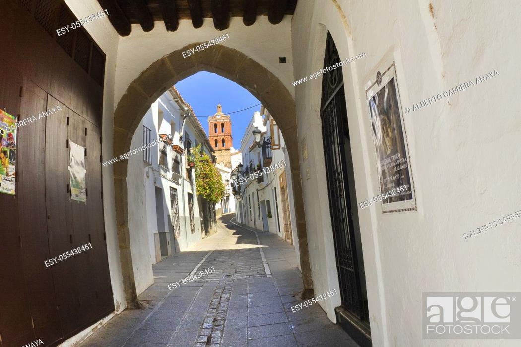 Imagen: Arco de Jerez, Extramural View, Old Town, Zafra, Badajoz, Extremadura, Spain, Europe.