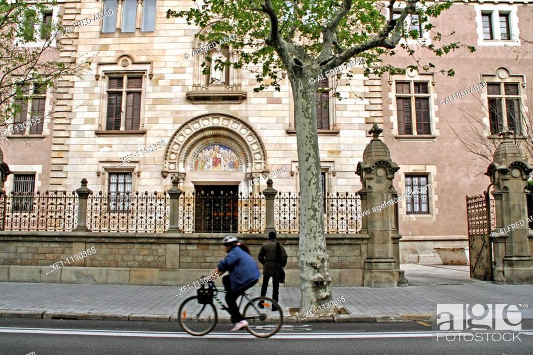 Photo de stock: Seminary, 1904, architect: Elias Rogent, Barcelona, Catalonia, Spain.