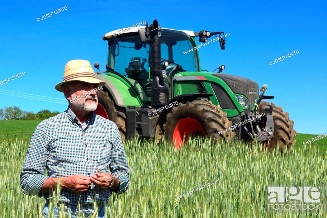 Photo de stock: portrait of a farmer on the field. Porqueres, Girona province, Spain.