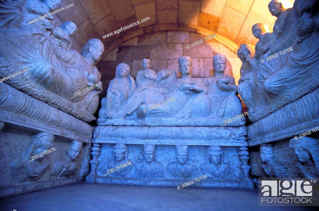 Imagen: Damascus, Syrian National Museum, Hypogeum of Yarhai. 2nd Century AD Palmyran tomb. Syria.