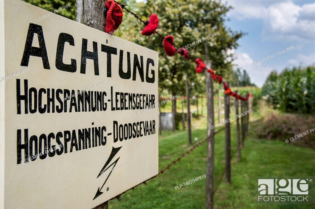 Imagen: Warning sign for Wire of Death / Dodendraad, lethal electric fence created by the German military to control the Dutch-Belgian frontier during the First World.