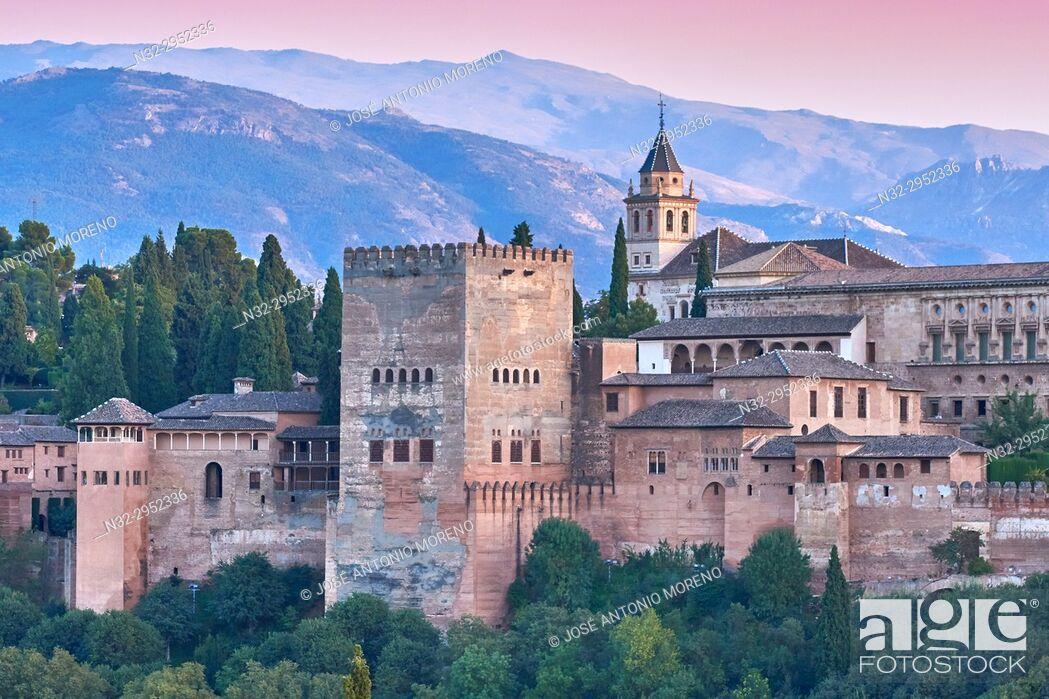 Stock Photo: Alhambra, UNESCO World Heritage Site, Albaicin, Sierra Nevada and la Alhambra at Sunset, Granada, Andalusia, Spain.