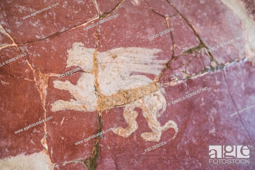 Imagen: Ruined Roman Fresco in the Bay of Naples, Italy.